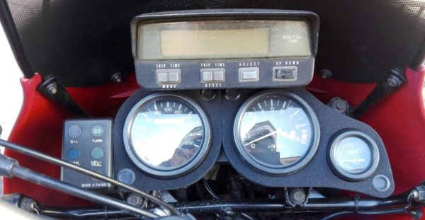 Mousse compteur Africa Twin